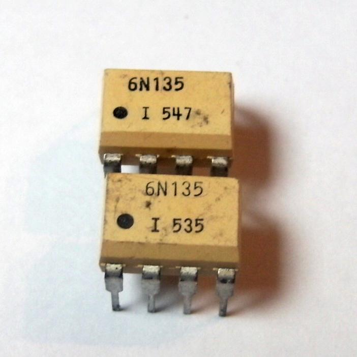 6N135 : оптопара  2.5KV 15V 16%Opto couplers for digital signalsordercode       No.of elem.       CTR       Viso       Vceo Vmax       Vcesat Vslow   ...